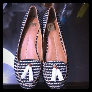 New Dolce Vita tassels stripes loafers. Size 8